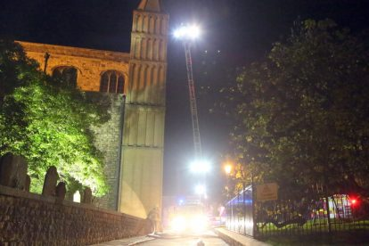 kent firefighters learn how to tackled potentially devastating fire at rochester cathedral 13