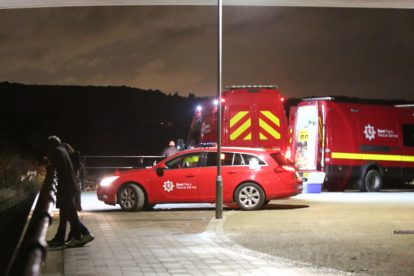 major search after someone is spotted in the water on the river medway 7