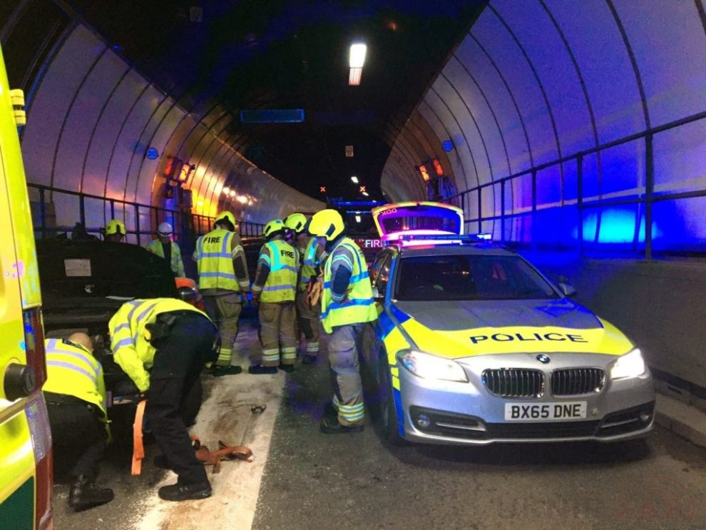 blackwall tunnel closed following serious traffic collision 1