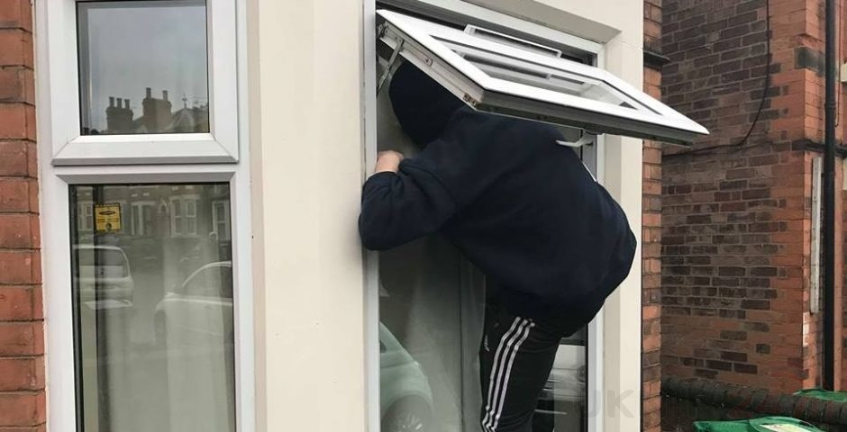 cash and jewellery stolen from folkestone and hythe homes