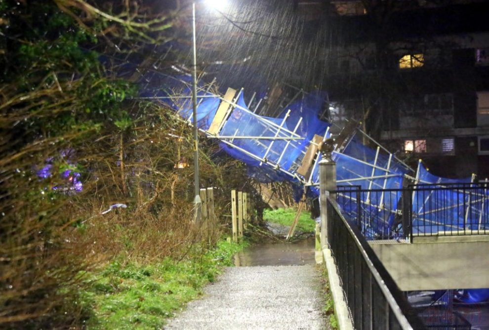 storm brendan 10 storey tower block scaffolding collapse in orpington