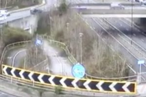 a20 sidcup by pass is closed due to police incident
