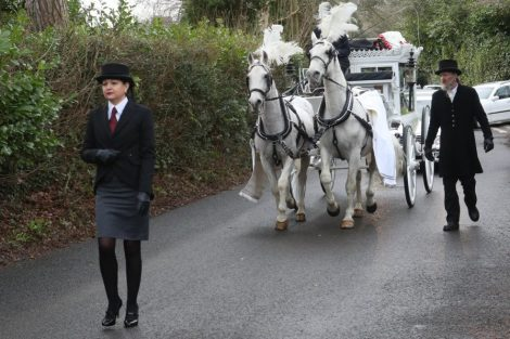 big fat gypsy send off in seven oaks for twins billy and joey smith 13
