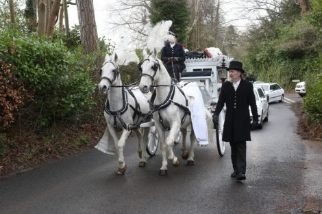 big fat gypsy send off in seven oaks for twins billy and joey smith 15