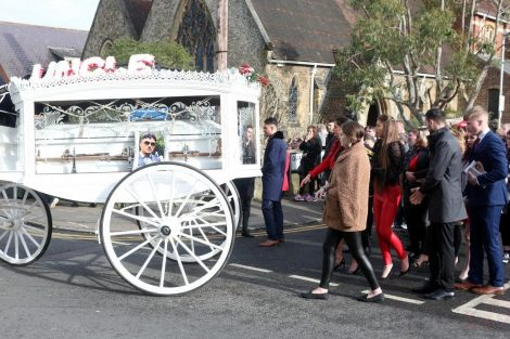 big fat gypsy send off in seven oaks for twins billy and joey smith 20