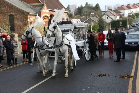 big fat gypsy send off in seven oaks for twins billy and joey smith 21