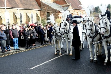 big fat gypsy send off in seven oaks for twins billy and joey smith 24