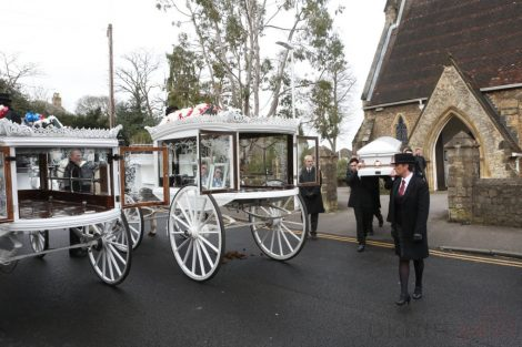 big fat gypsy send off in seven oaks for twins billy and joey smith 27