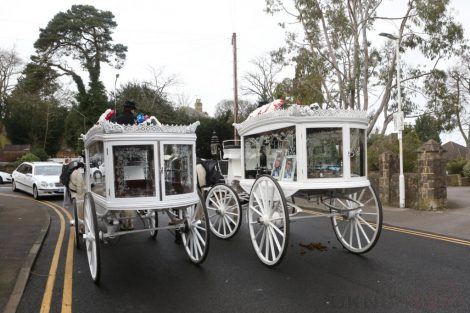 big fat gypsy send off in seven oaks for twins billy and joey smith 28