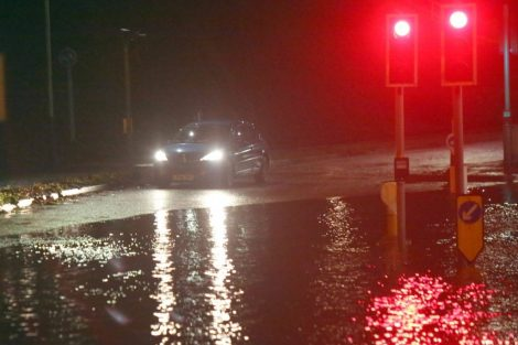 brave or foolish as driver play roulette with flooding in tunbridge 13