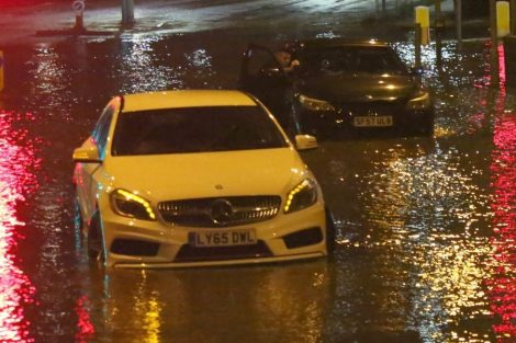 brave or foolish as driver play roulette with flooding in tunbridge 19