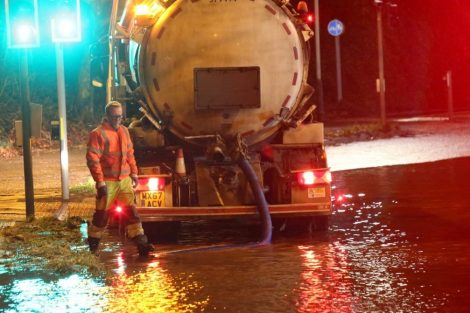 brave or foolish as driver play roulette with flooding in tunbridge 4
