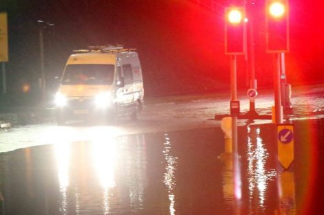brave or foolish as driver play roulette with flooding in tunbridge 7
