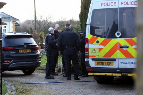 major raid carried out by the met police in sleepy village of biggin hill 11