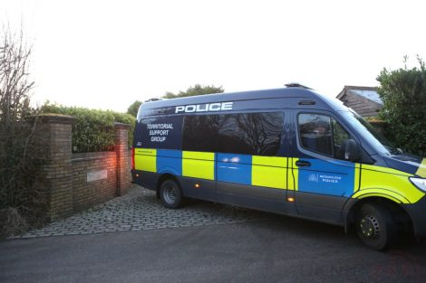 major raid carried out by the met police in sleepy village of biggin hill 12