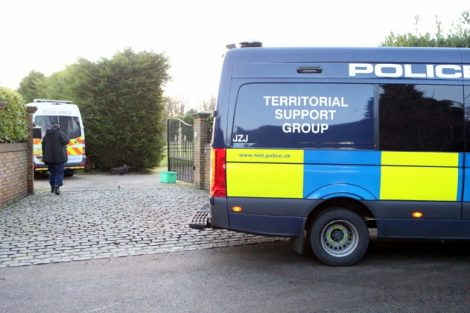 major raid carried out by the met police in sleepy village of biggin hill 13