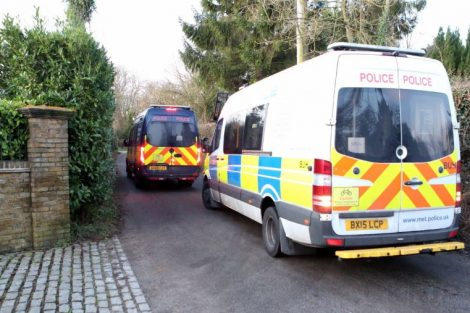 major raid carried out by the met police in sleepy village of biggin hill 14