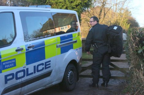 major raid carried out by the met police in sleepy village of biggin hill 23
