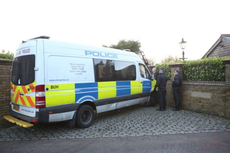 major raid carried out by the met police in sleepy village of biggin hill 5