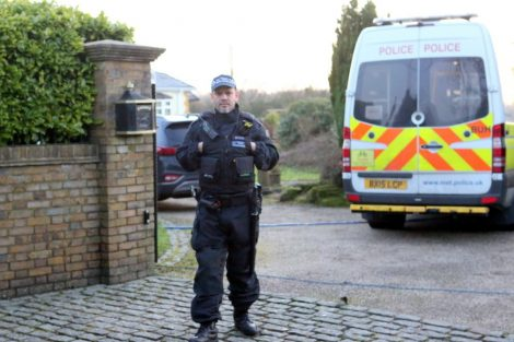 major raid carried out by the met police in sleepy village of biggin hill 9