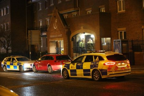 man hold police to ransom on chatham roof top 11