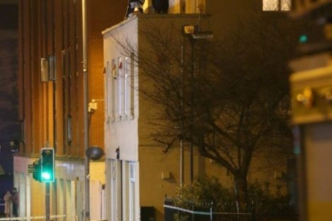 man hold police to ransom on chatham roof top 9
