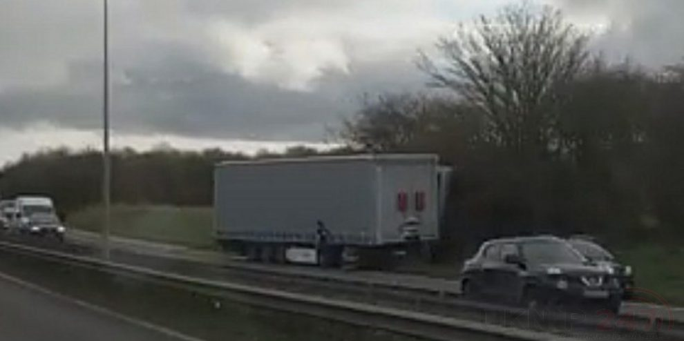 thanet way closed london bound after jackknifed lorry