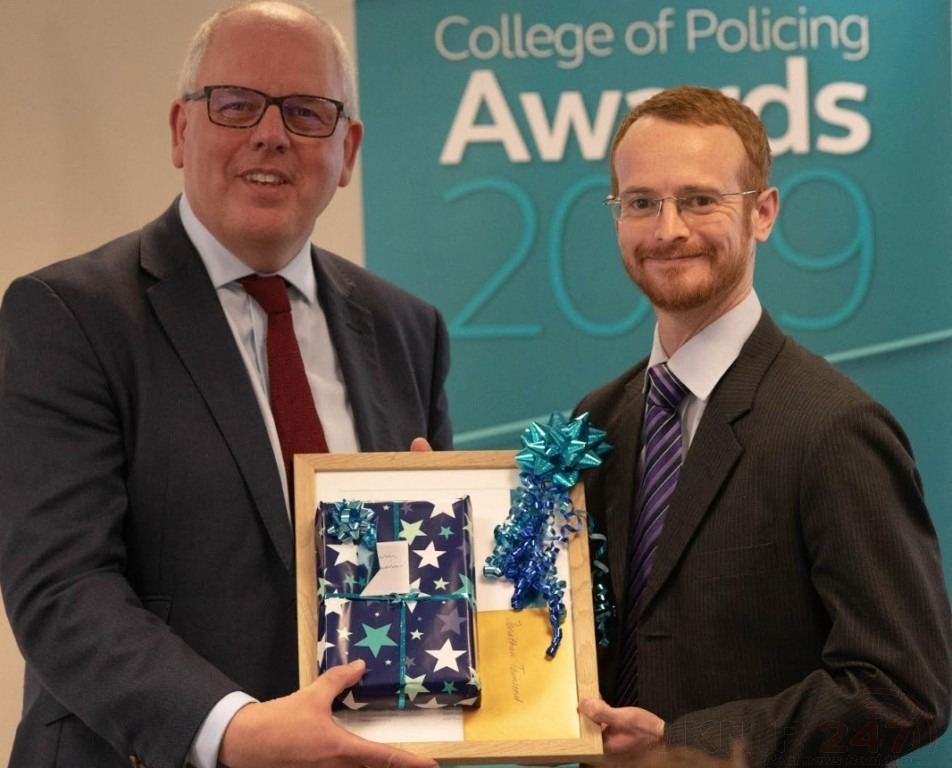 special officer receives award for developing lifesaving packs