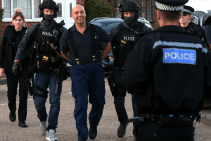 ten hour gravesend armed stand off ends with an arrest
