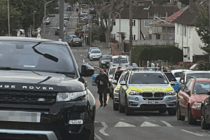 armed police surround property in penge