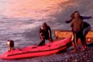 dover coastguard and border force called to five migrants on st margarets bay beach