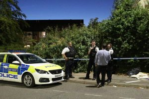 failed drive by shooting attempt in mitcham 4