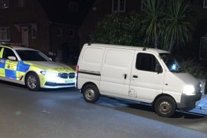 driver from stolen vehicle makes off from police in kent