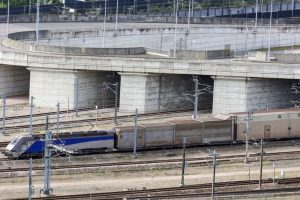 60000 in cash was found inside a car at the channel tunnel
