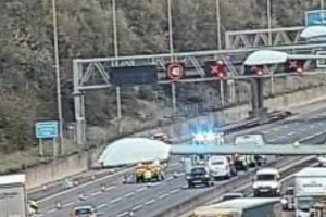 upated five vehicle collision on the m25 causes 10 miles traffic jam between essex and kent