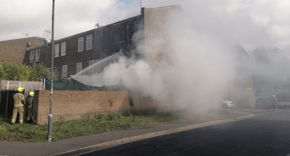 four fire engines and around 25 firefighters were called to a fire in erith