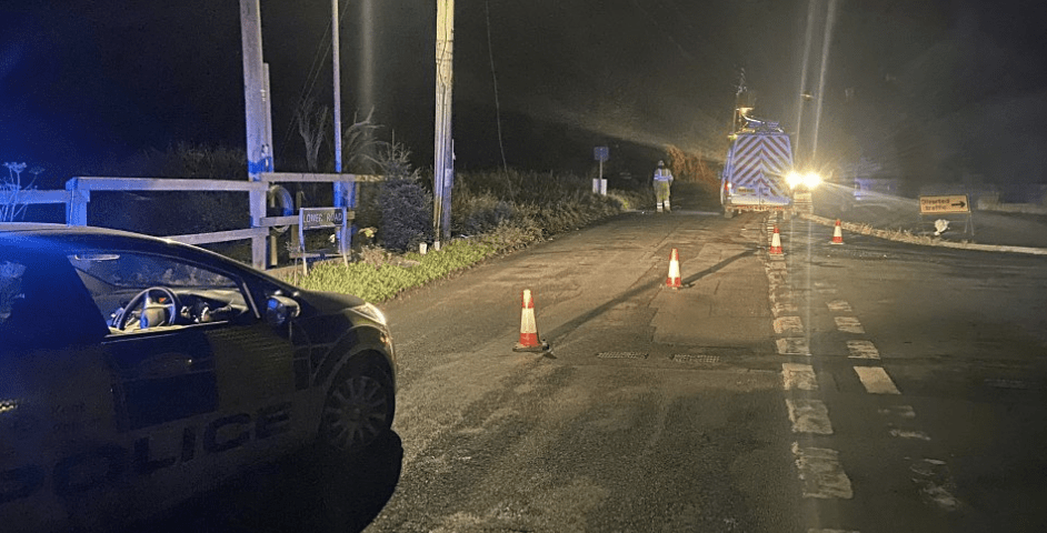 hundreds of homes left without power after car ploughs into power pole in teynham