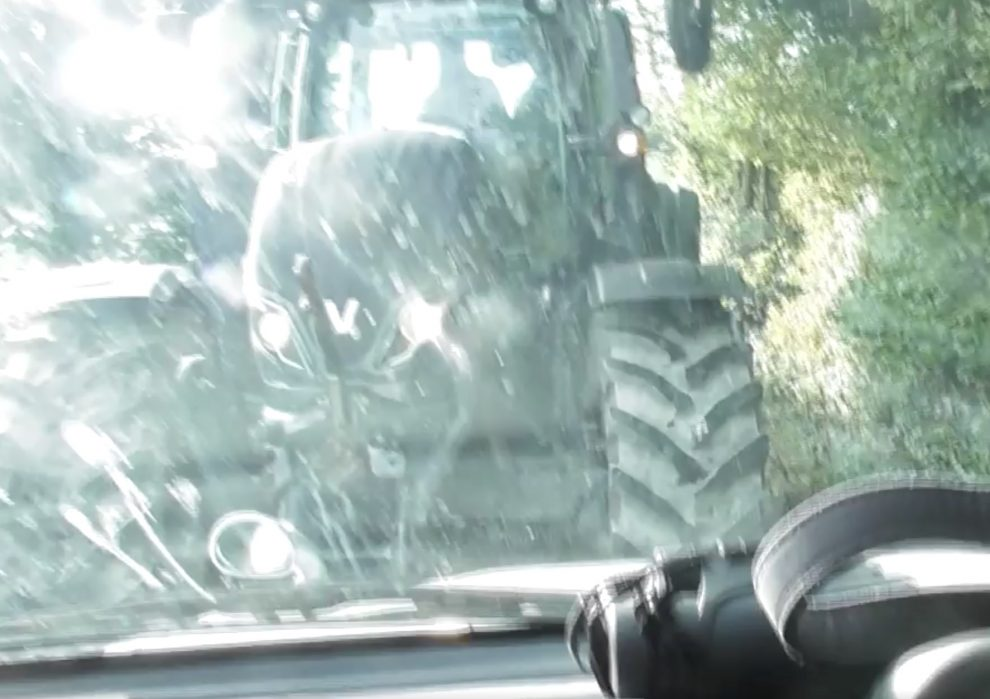 police probe launched after tractor rams a vehicle during the east sussex and romney marsh hunt